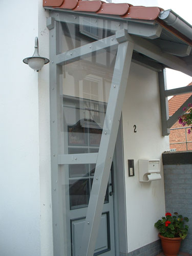 Vordach Hauseingang Holz Bilder ~ Sind Durch Ein Vordach Aus Edelstahl ...